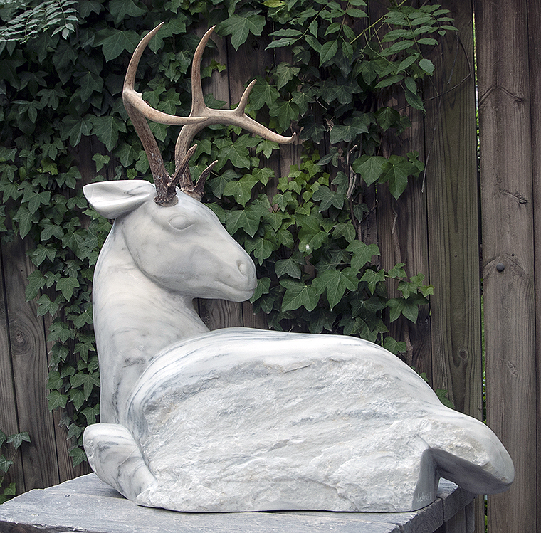 marble animal sculpture